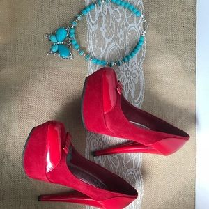 Red pumps size 6.5